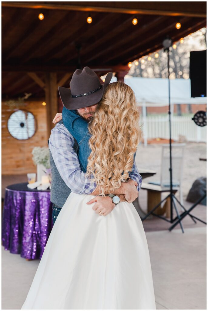 Texas styled bride and grooms first dance for outdoor Texas styled wedding at Fort Worth Country Memorial Wedding Venue photographed by Dallas wedding photographer Jenny Bui of Picture Bouquet Studio.