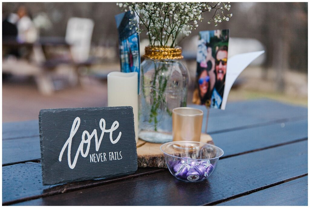 Wedding day table setting for outdoor Texas styled wedding at Fort Worth Country Memorial Wedding Venue photographed by Dallas wedding photographer Jenny Bui of Picture Bouquet Studio.