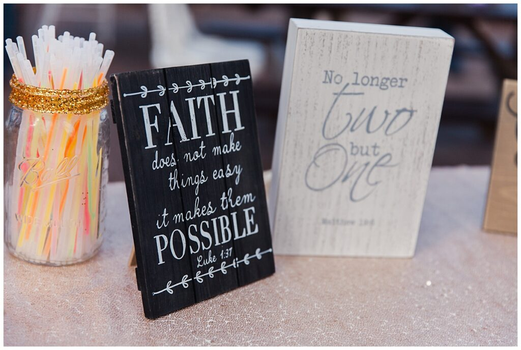 Wedding day quote boards for outdoor Texas styled wedding at Fort Worth Country Memorial Wedding Venue photographed by Dallas wedding photographer Jenny Bui of Picture Bouquet Studio.