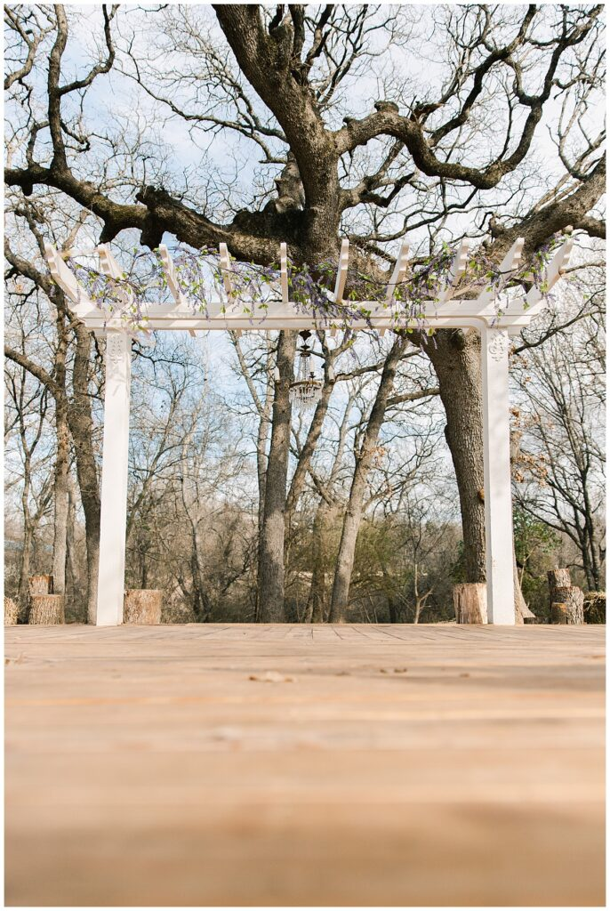 Ceremony set up for for outdoor Texas styled wedding at Fort Worth Country Memorial Wedding Venue photographed by Dallas wedding photographer Jenny Bui of Picture Bouquet Studio.